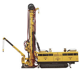 Truck Mounted MD - 750 CBM Drilling Rig / Core Drill Rig , Drill Depth 3200m 2200m 1600m